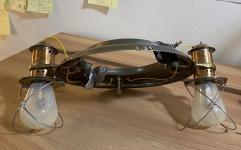 E002 Lamp Holder